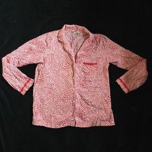 Victoria's Secret's heart pattern pajama shirt